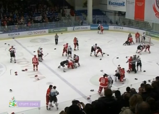 Fight-Marred Fisticuffs: KHL Game Screeches To A Halt - 691 Penalty Minutes By The 3:39 Mark